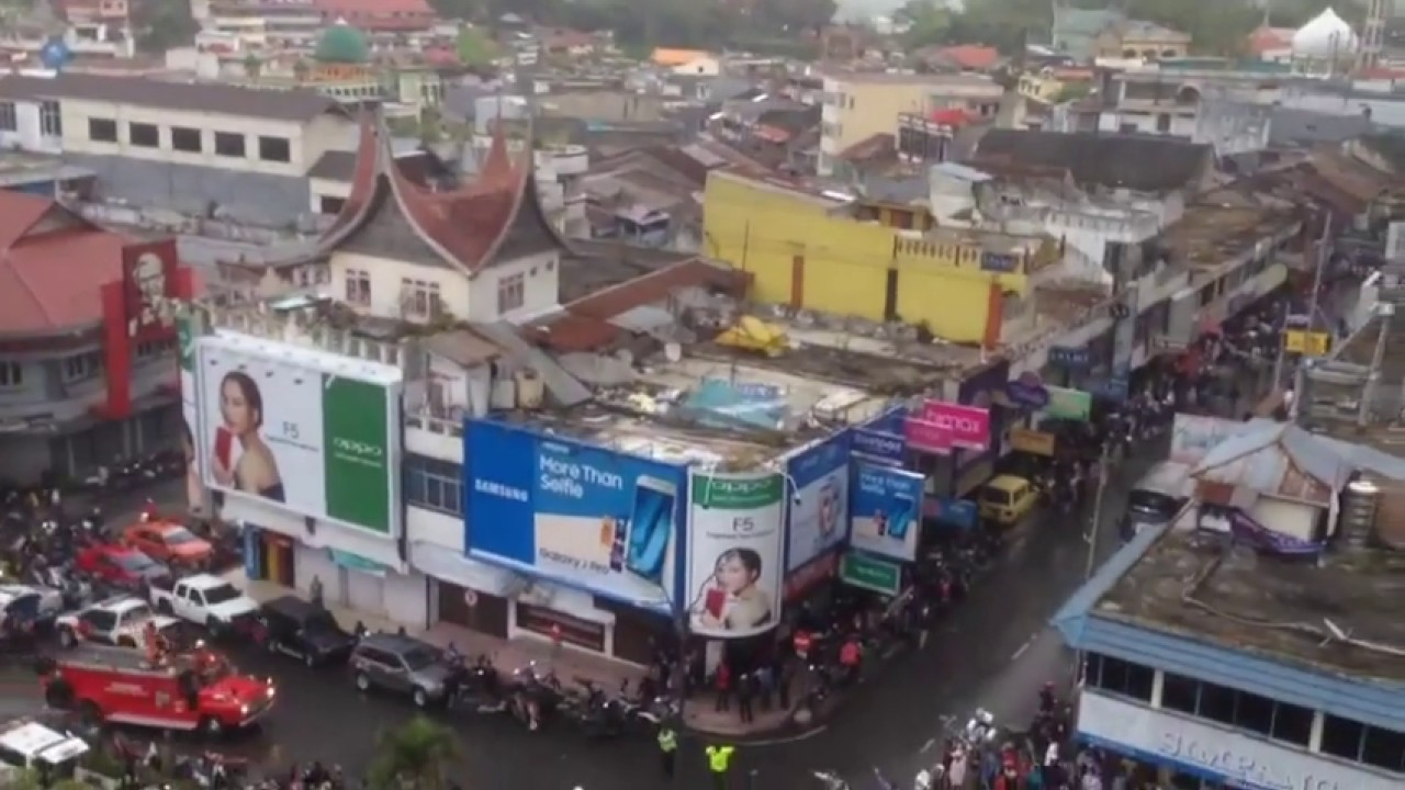 Kebakaran Pasar Atas Bukittinggi Youtube Kota