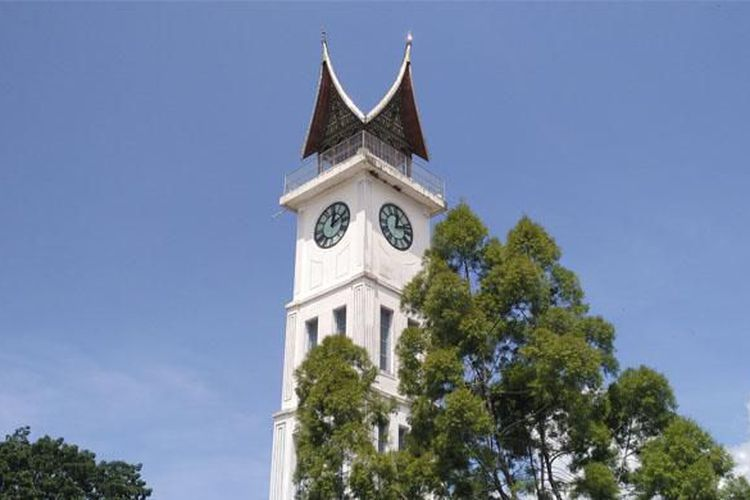 Opsi Wisata Menarik Dekat Pasar Atas Bukittinggi Kompas Jam Gadang