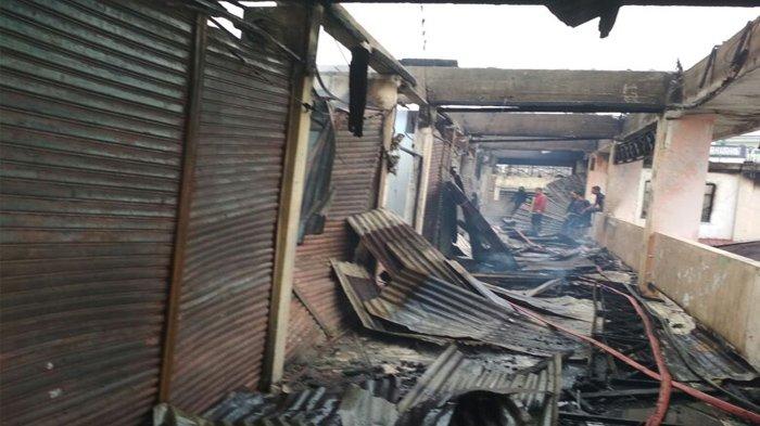 Pasar Atas Bukittinggi Terbakar Api Mulai Bisa Dipadamkan Foto Kiriman