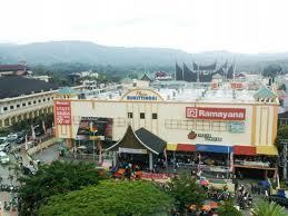 Pasar Tradisional Atas Bukittinggi Yusranita Blog Menjadi Unggulan Wisata Kota