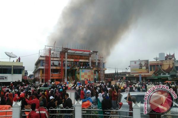 Pascakebakaran Pasar Ateh Polres Bukittinggi Buka Posko Crisis Centre Jam
