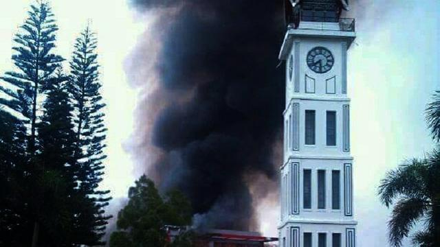 Pedagang Pasar Atas Bukittinggi Relokasi Dekat Jam Gadang Kebakaran Kota