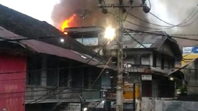 Usai Kebakaran Bagaimana Nasib Pedagang Pasar Atas Bukittinggi Pusat Pertokoan
