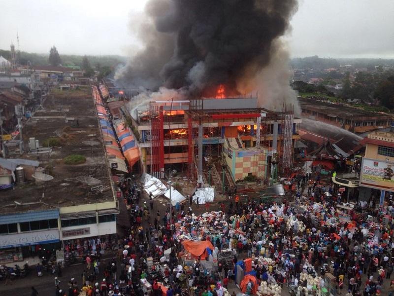 Wakil Presiden Minta Kelayakan Pertokoan Pasar Ateh Segera Kebakaran Atas