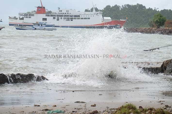 Cuaca Laut Jawa Buruk Sopir Bisa Pasrah Radar Gelombang Tinggi