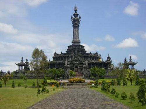 Monumen Bajra Sandhi Tur Bali Terletak Depan Kantor Gubernur Tepatnya