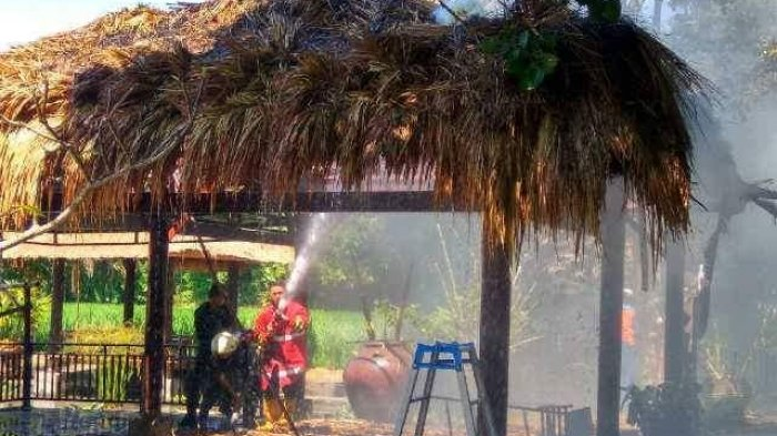 Gasebo Desa Budaya Kertalangu Ludes Terbakar Tribun Bali Kota Denpasar
