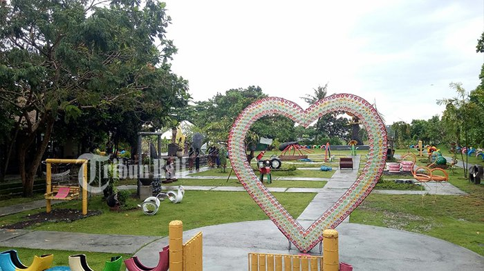 Taman Barang Bekas Menjadi Spot Selfie Desa Budaya Kertalangu Bali