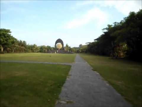 World Peace Gong Simbol Perdamaian Dunia Desa Budaya Kertalangu Denpasar