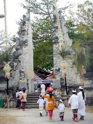 Pura Sakenan Pesona Denpasar Pulau Serangan Konservasi Penyu Kura Bali