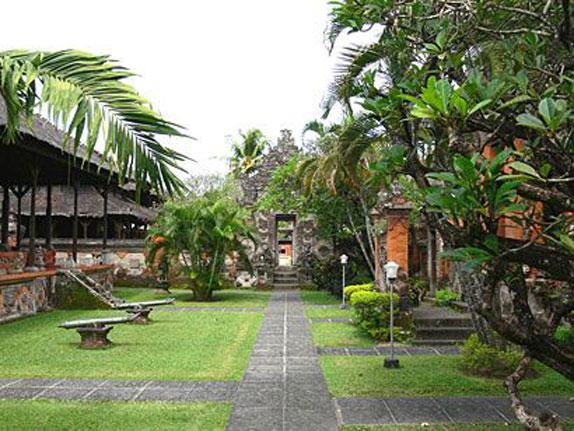 Alam Pesona Indonesia Adventuretours Specialist Bali Museum Strategically Located Major