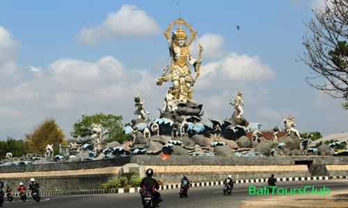 Objek Wisata Denpasar Patung Titi Banda Kota