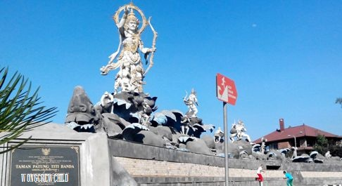 Taman Patung Titi Banda Denpasar Bali Wongcrewchild Lokasi Kota