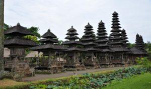 Pura Blanjong Bali Daya Tarik Salah Satunya Keberadaan Peninggalan Arkeologi