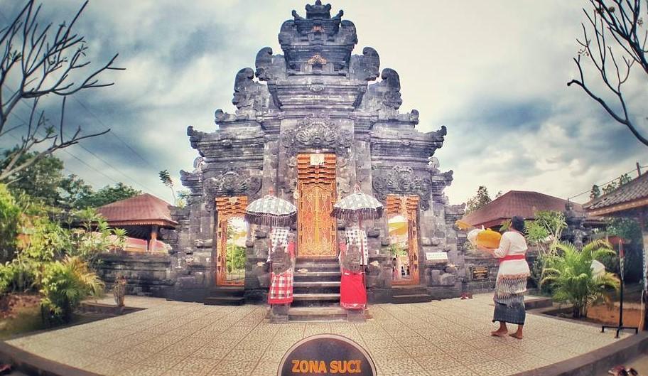 17 Tempat Wisata Instagramable Denpasar Hits Dikunjungi Pura Agung Jagatnatha