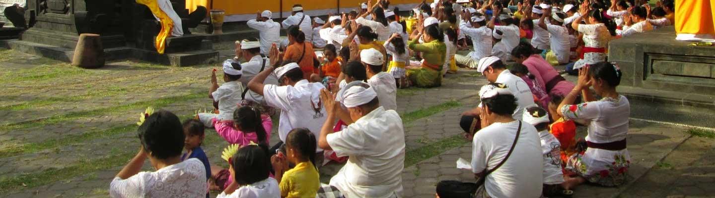 5 Bule Sembahyang Pura Agung Jagatnatha Denpasar Kabardewata Kota
