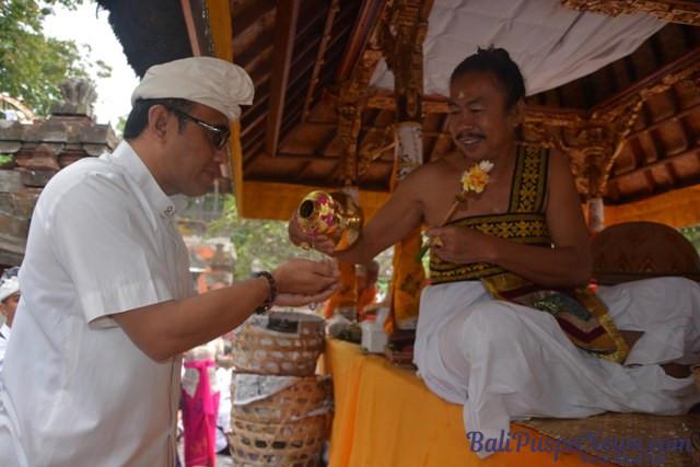 Jaya Negara Sembahyang Bersama Pura Agung Jagatnatha Berita Persembahyangan Dihadiri