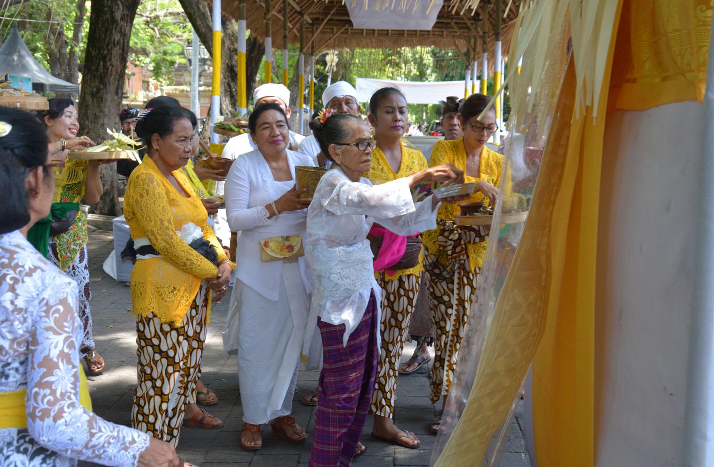 Puncak Karya Pedudusan Agung Tawur Balik Sumpah Pura Jagatnatha Kota