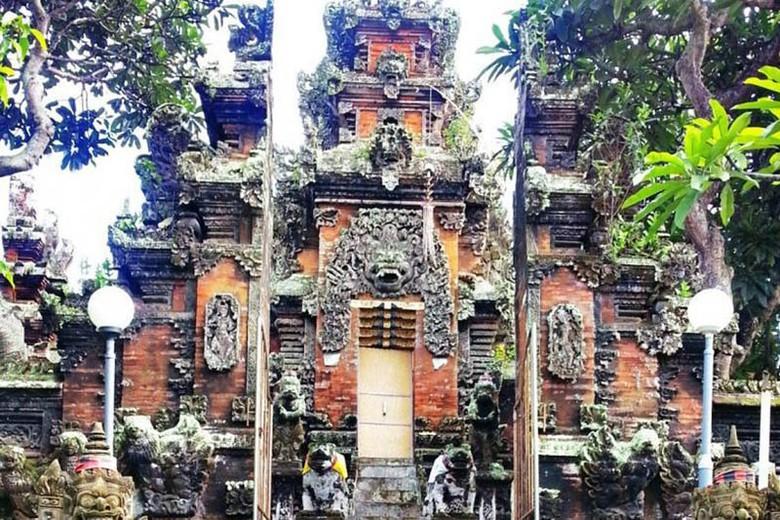 Kisah Pura Bali Rambut Sakti Luhur Siwi Winda Oktiana Harlim