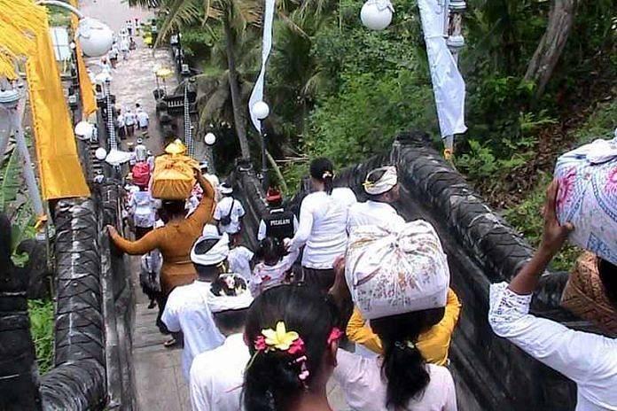 Pura Rambut Siwi Cagar Budaya Tebing Yehembang Balipost Negara Luhur