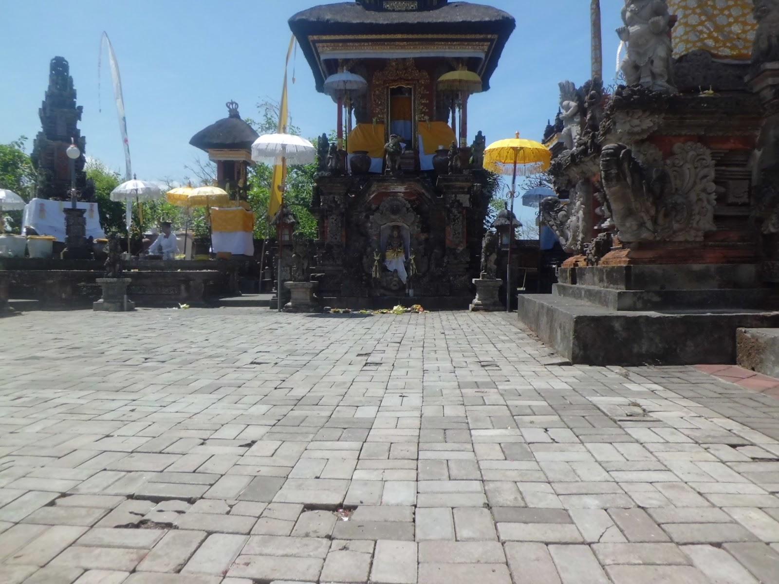 Pura Rambut Siwi Yeh Embang Wayan Suyasa Luhur Kota Denpasar