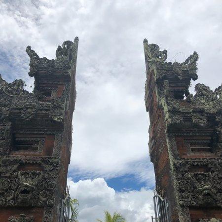 Rambut Siwi Temple Cliff Picture Pura Kota Denpasar