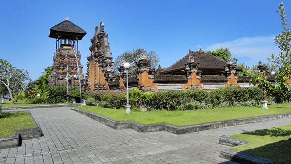 Rambut Siwi Temple Sightseeing Bali Tour Operator Pura Kota Denpasar