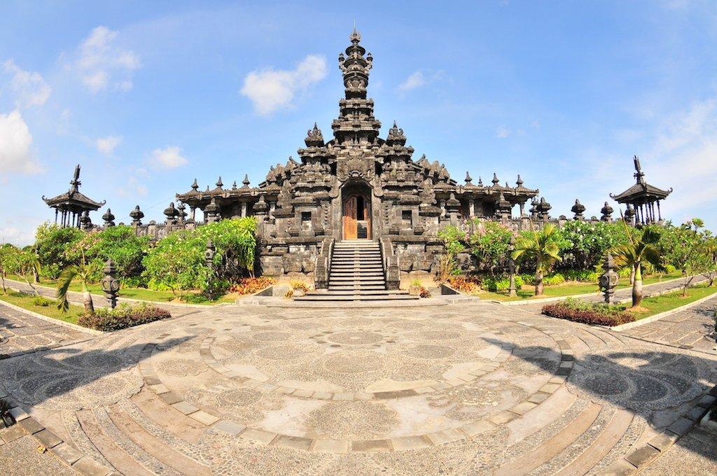 10 Denpasar Bali Trip101 Pura Sakenan Kota