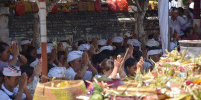 Puncak Karya Pujawali Pura Sakenan Kota Denpasar