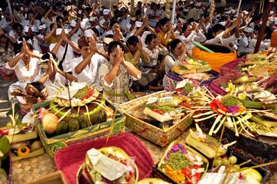 Pura Sakenan Bali Indonesia Nakarasido Hita Love Travel Kota Denpasar