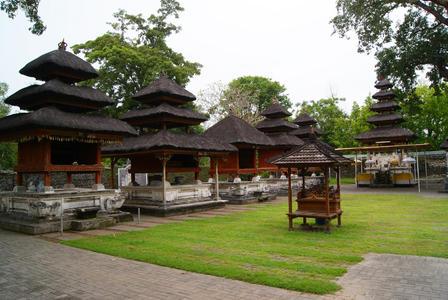 Sejarah Pura Sakenan Bali Kota Denpasar