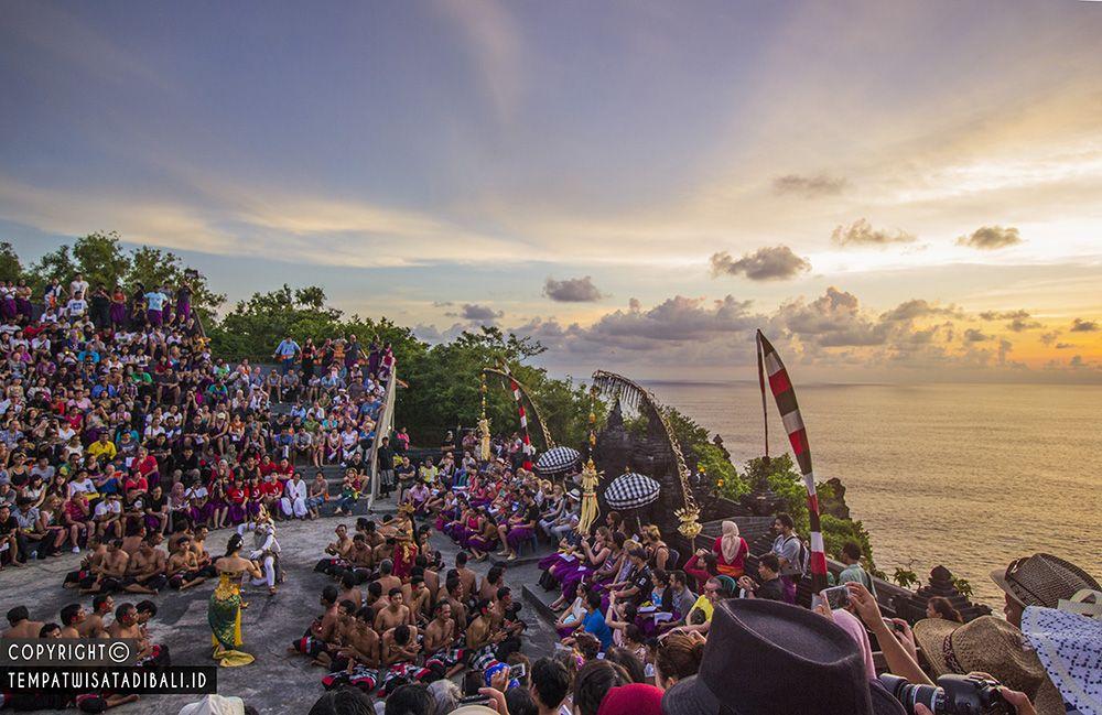 Tari Kecak Pura Uluwatu Tempat Wisata Bali Pinterest Sunset Sakenan