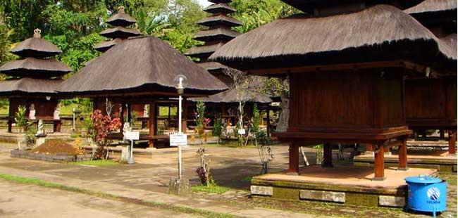Tempat Wisata Menawan Denpasar Bali Tengah Eloratour Pura Sakenan Dangkahyangan