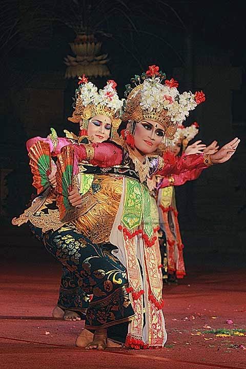 Legong Dance Pinterest Dancing Seni Rupabatik Kota Denpasar