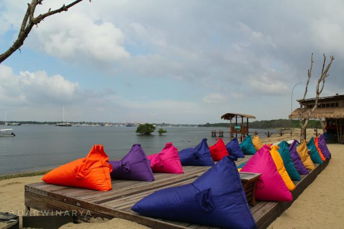 Dream Island Wisata Pantai Mertasari Oleh Darwin Arya Bantalan Empuk