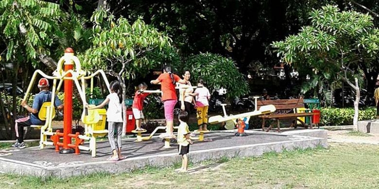 Denpasar Warna Warni Air Menari Halaman 2 Kompas Taman Kota