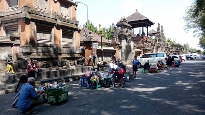 Kok Pedagang Lapangan Puputan Badung Katanya Dilarang Taman Kota Denpasar
