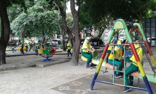 Main Perosotan Asik Pojok Lapangan Puputan Badung Denpasarkota Taman Kota