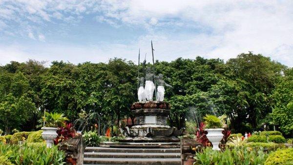 Objek Wisata Lapangan Puputan Denpasar Paket Bali Terletak Kabupaten Kota