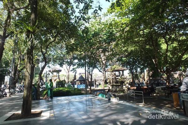 Tempat Piknik Asik Tengah Kota Denpasar Taman Lapangan Puputan Badung