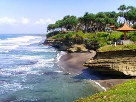 Pantai Batu Hiu Objek Wisata Penuh Legenda Tempat Terbaik Ciamis