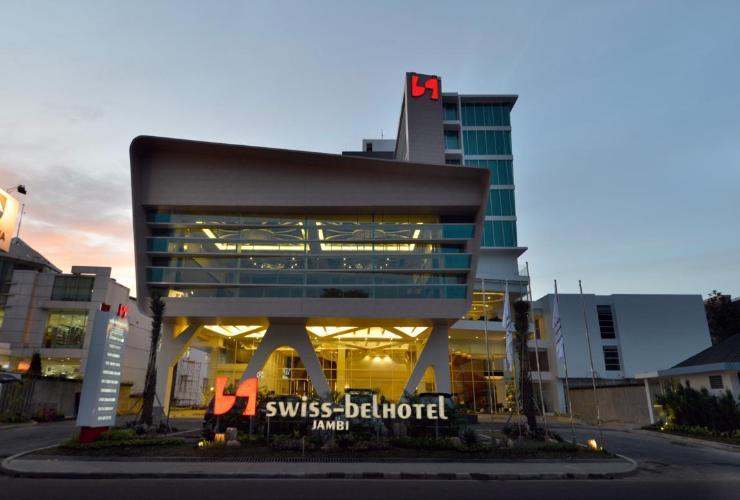 Swiss Belhotel Jambi Telanaipura Traveloka Provinsi Indonesia 36129 Exterior Building
