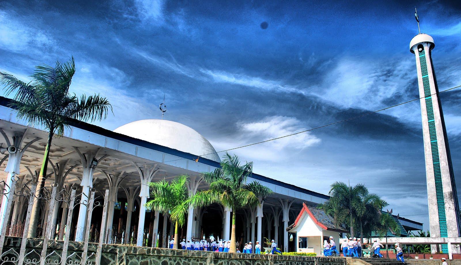 Tempat Wisata Jambi Wajib Dikunjungi 9 Masjid Agung Al Falah