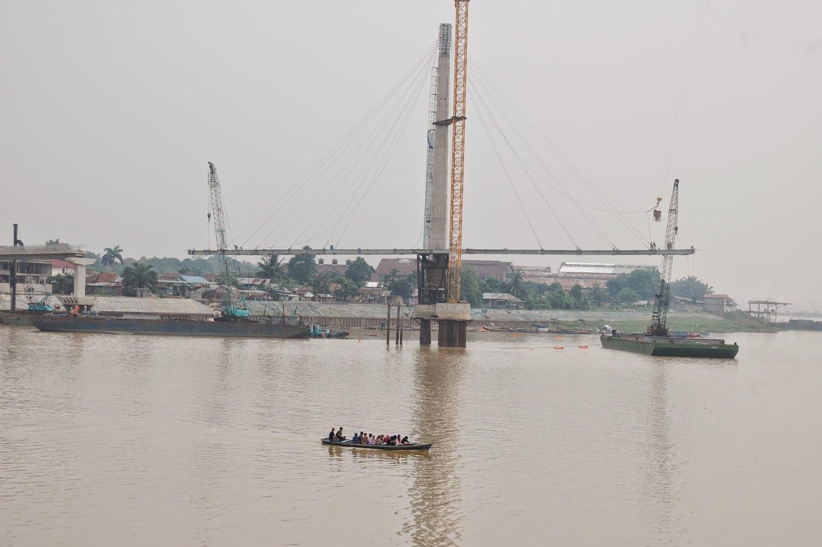 Beritaku Pembangunan Jembatan Pedestrian Gentala Arasy Molor Kota Jambi