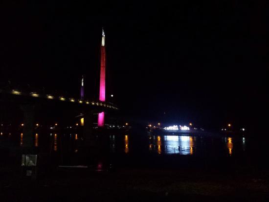 Gentala Arasy Picture Pedestrian Bridge Jambi Jembatan Kota