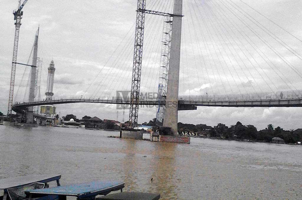 Jembatan Gentala Arasy Ikon Hiburan Metrotvnews Pedestrian Kota Jambi