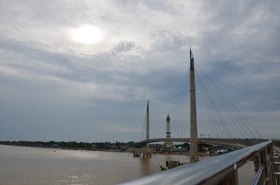 Jembatan Gentala Arasy Picture Tower Jambi Pedestrian Kota