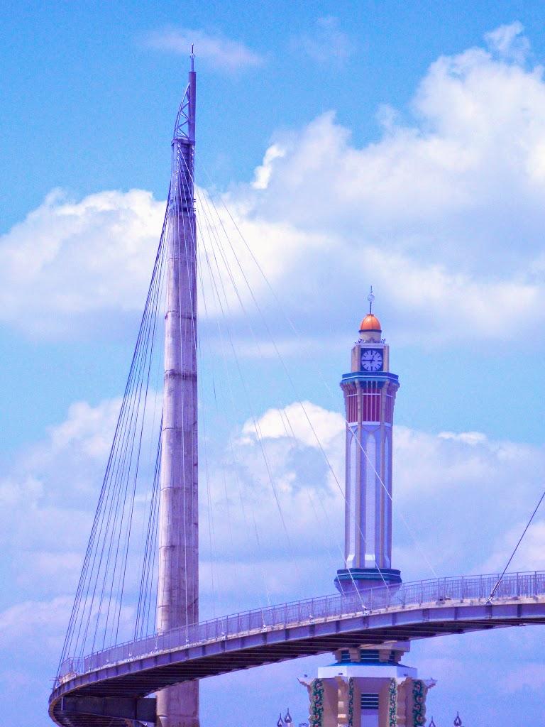 Jembatan Pedestrian Gentala Arasy Calon Daya Tarik Wisata Jambi Omg