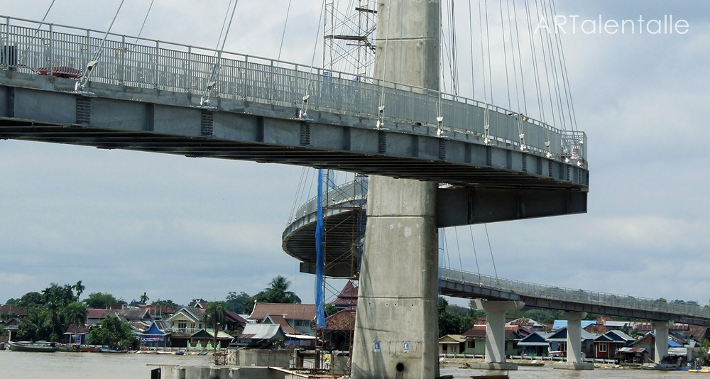 Jembatan Pedestrian Gentala Arasy Jambi Artalentalle Flickr Picture Kota