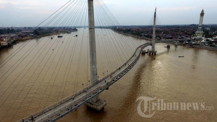 Jembatan Pedestrian Menara Gentala Arasy Jambi Foto 14 1704865 20170608